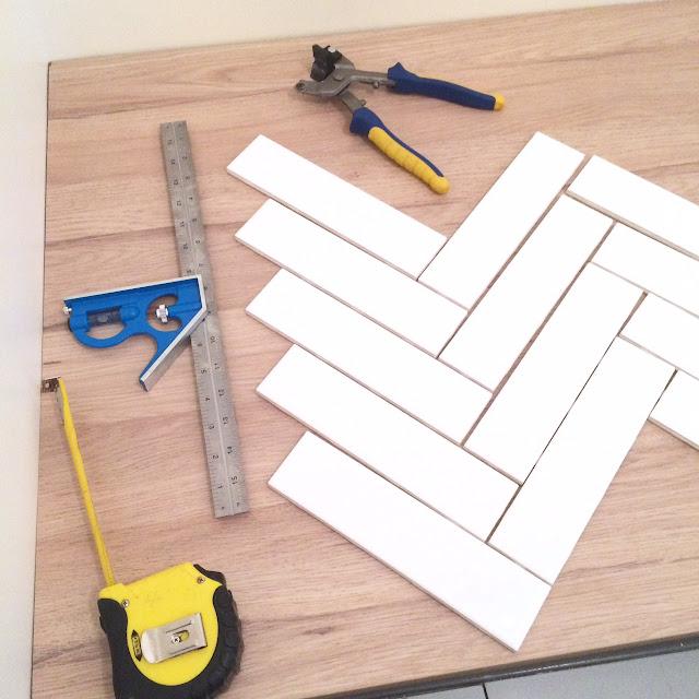 how-to-herringbone-tile-backsplash-harlow-and-thistle-1