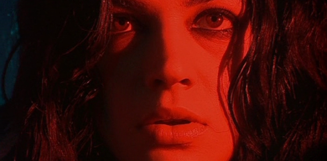 Pinnland empire scarlet diva she 39 s lost control for Diva scarlet