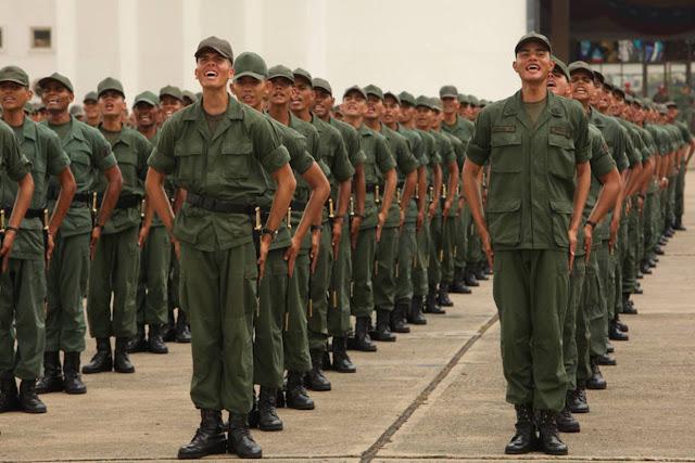 """Más de 1000 militares """"descontentos"""" querrían darse de baja en la FANB"""