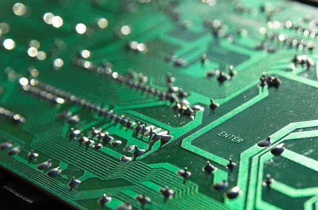 What Are Castellated Holes (PCB)