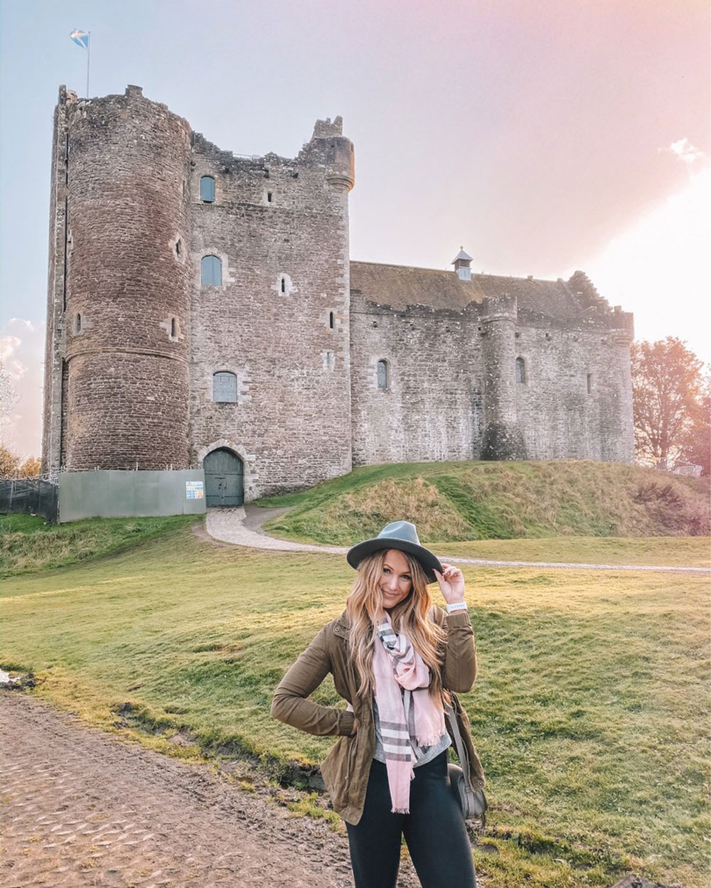 Travel blogger Amanda Martin visits Doune Castle in Scotland
