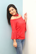 shriya sharma latest glam pics-thumbnail-13