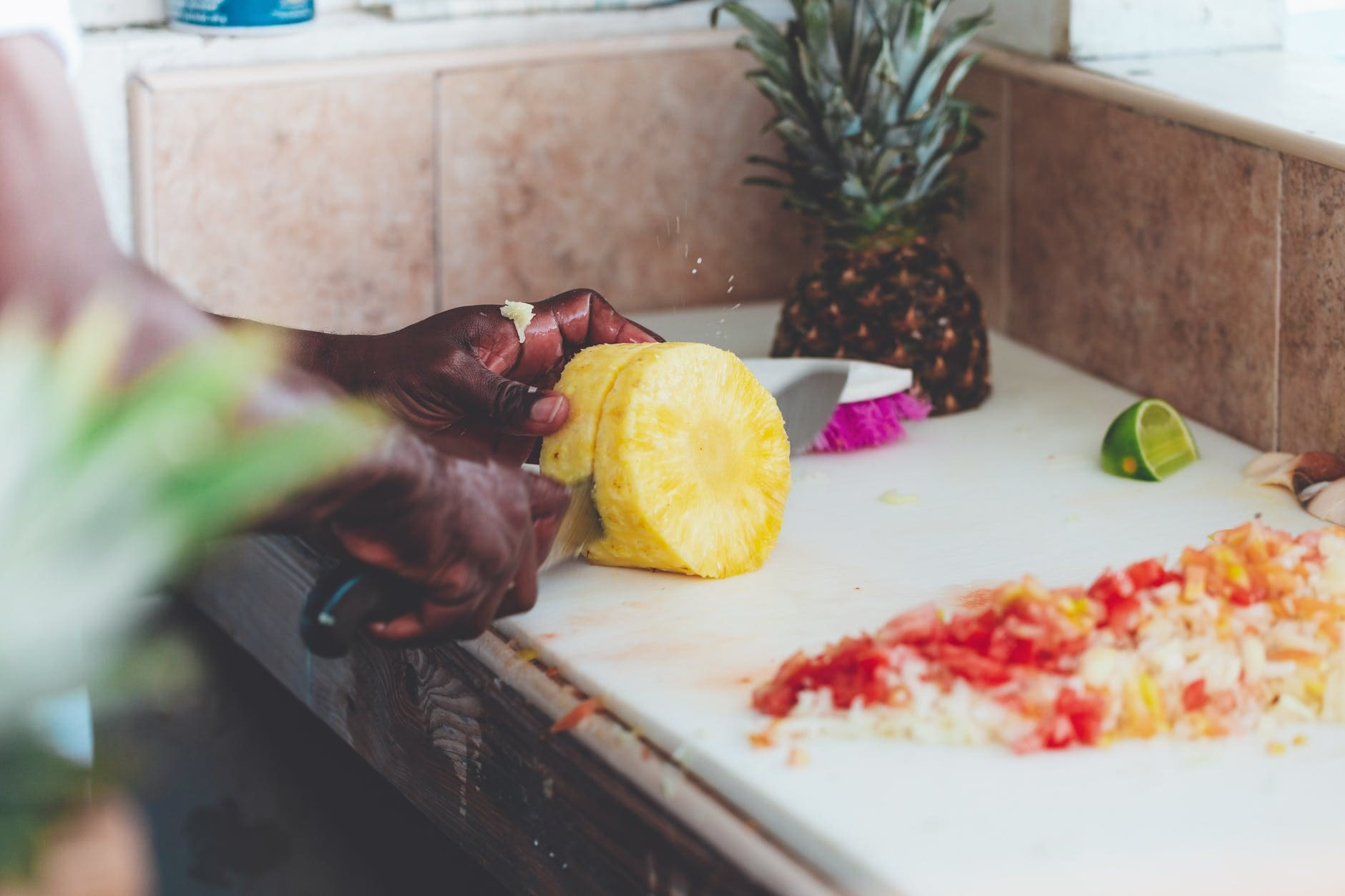 How to make a Salty Pineapple Salad