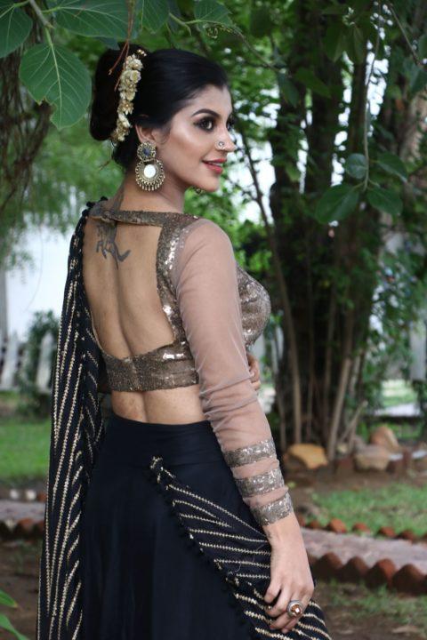Actress Yashika Aannand