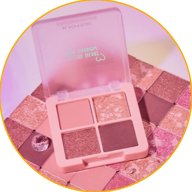 BLACK ROUGE Crystal Heart Lock Shadow Eyeshadow that makes you even cooler like a Korean artist. Maybe some of you are still unfamiliar with this one brand. Yes, this product has just spread its wings in all country. But make no mistake, this does not mean that this product is not popular in the country of origin there, you know. For the quality, you don't need to doubt this product. I've tried it myself and really like the results.  Apart from being a girly color, this eyeshadow is also very pigmented. If you like Korean makeup like K-pop idols, I recommend trying this product right away. The result, guaranteed your eyes are even cooler! This product provides matte, shimmer and glitter colors in one pallete. That way, you can use it and adjust it yourself according to your make-up style.