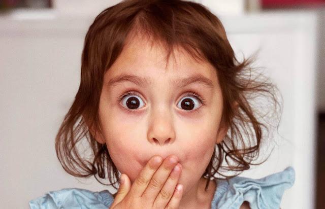 ماذا تفعلين إذا تناول طفلك أكل مسمم أو منتهى الصلاحية !