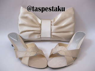 Sepatu Sandal High Heels dan Tas Pesta Polos Cream