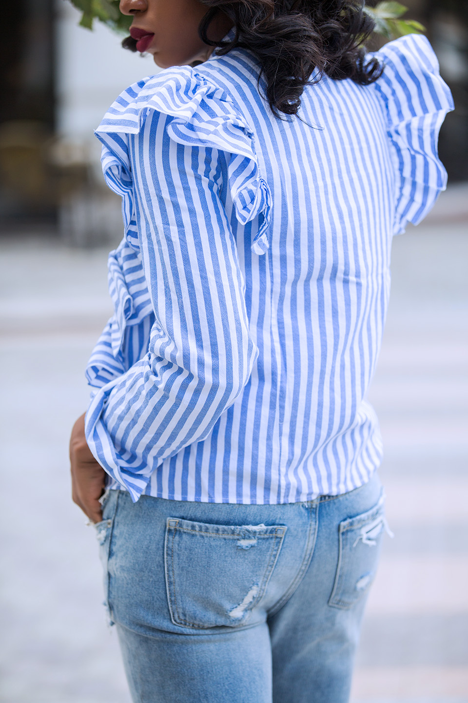 ruffle blouse, girlfriend jeans, www.jadore-fashion.com