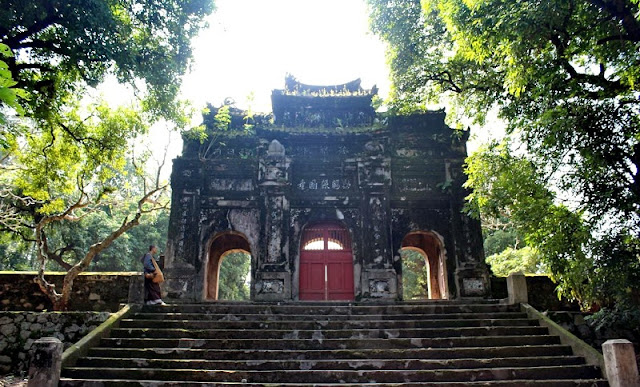 The Sacred Pagodas in Hue 2