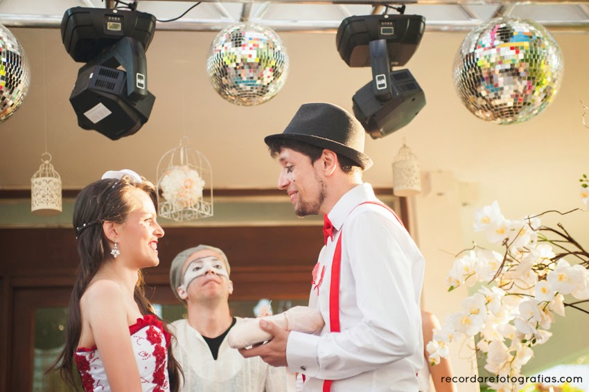 casamento-magico-layane-andre-hora-aliancas