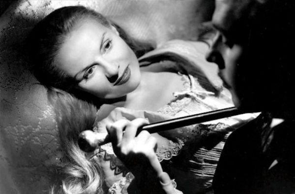 Ann Todd holding cane in Madeleine 1950