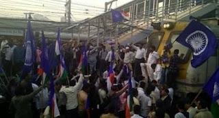 Bollywood-people-condemn-mumbai-band