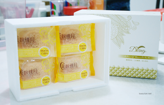 D'King Vegetarian Snow Skin Musang King Durian Mooncake