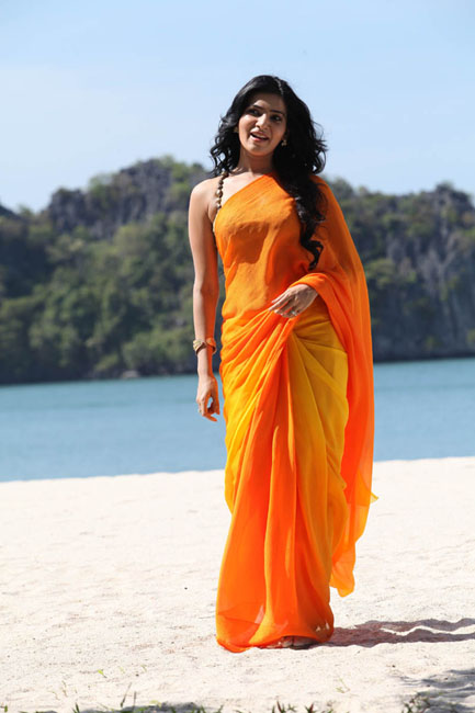 Samantha Hot Stills In Orange Saree
