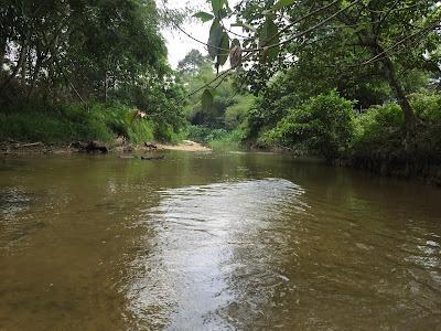 sejukkan badan sebentar, sungai sedim