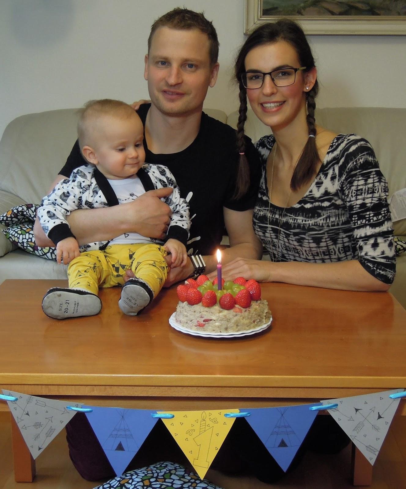 zdravý dort k prvním narozeninám Můj fialový svět BLOG: recept: Zdravý, rychlý raw dort k prvním  zdravý dort k prvním narozeninám