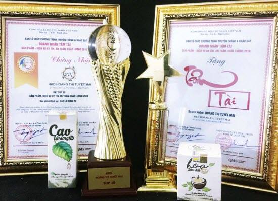 Cúp Vàng Doanh Nhân Tâm Tài được trao cho nhà sản xuất Cao Lá Rừng ZN
