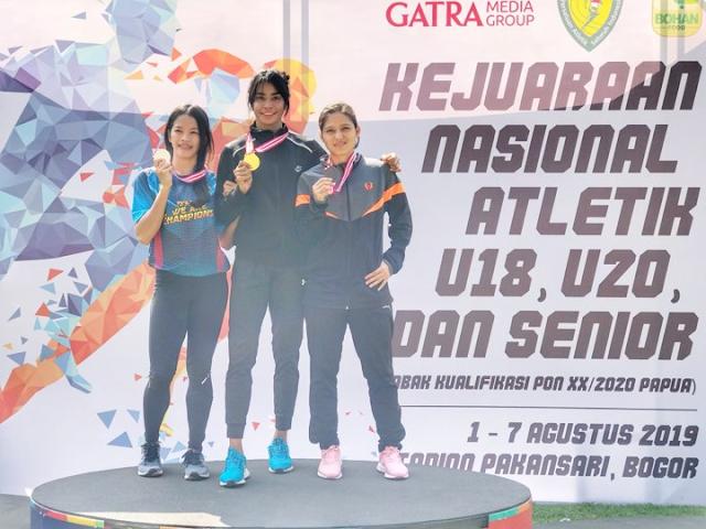 Malukupost.com - Setelah meraih medali emas lomba lari 100 meter untuk Maluku, Alvina Tehupeiory kembali menoreh prestasi gemilang pada Kejurnas Atletik 2019 di Cibinong, Bogor.  Ia merebut emas 200 meter dan memecahkan rekor nasional yang sudah bertahan selama 20 tahun.