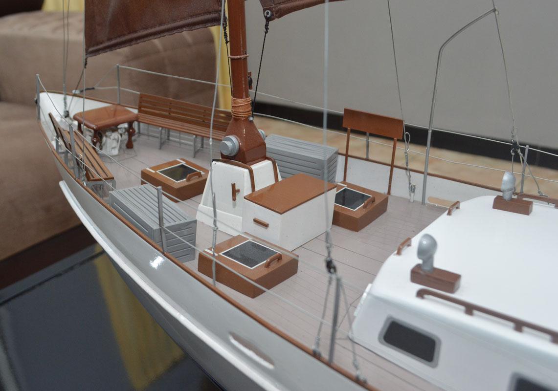 desain sketsa miniatur kapal sailing yacht raden mas terbaik jakarta