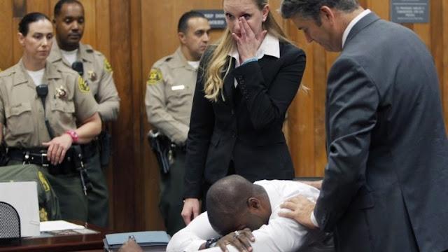 10 anos depois de ser condenado, homem chora após mulher confessar que mentiu estupro