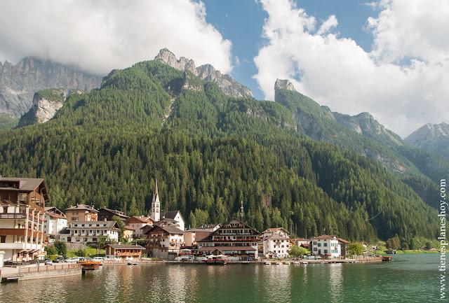 Alleghe pueblos encanto viaje norte Italia