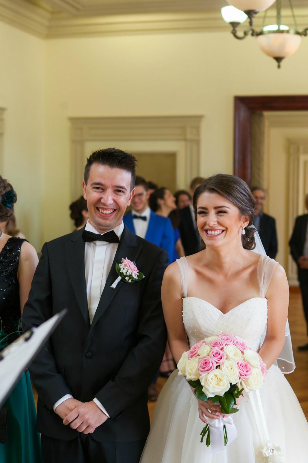 happy smiling bride and groom wedding photos