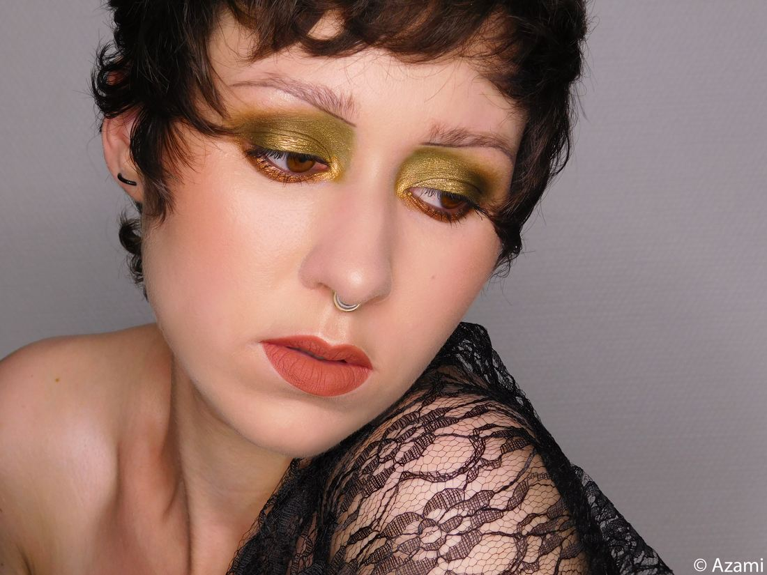 Sepia Flapper Makeup Look It's Azami - Body Shop Matte Clay Foundation - MAC Cosmetics Blush Sunbasque - The Balm Mary-Lou Manizer - P. Louise Base'Ic Primer Hint of Mint - Morphe Boss Mood Palette - MAC Chestnut Lip Pencil - NYX Soft Matte Lip Cream Neon - Flapper Girl Roaring Twenties Gatsby