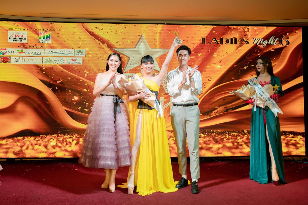 Hoa hậu Huỳnh Thúy Anh rạng rỡ làm BGK cuộc thi tài năng cho cộng đồng LGBT