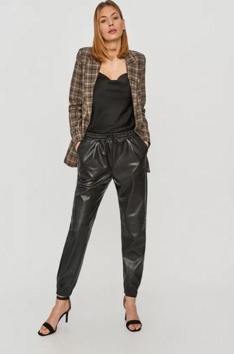 Answear Lab - Pantaloni negri din piele eco de femei