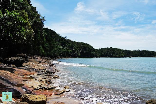 Playa Tajor en Parque Nacional de Bako (Borneo, Malasia)