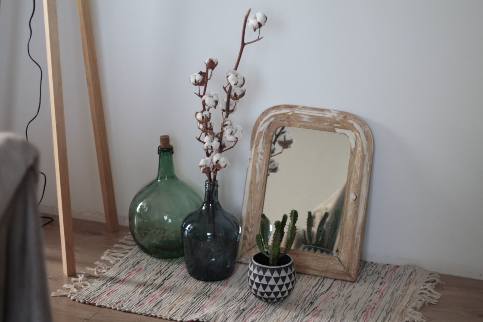 bonnie bee. Black Bedroom Furniture Sets. Home Design Ideas