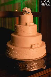 casamento com cerimonia na basilica sao luiz gonzaga em novo hamburgo e festa no espaço tao com decoração simples elegante e delicada por life eventos especiais