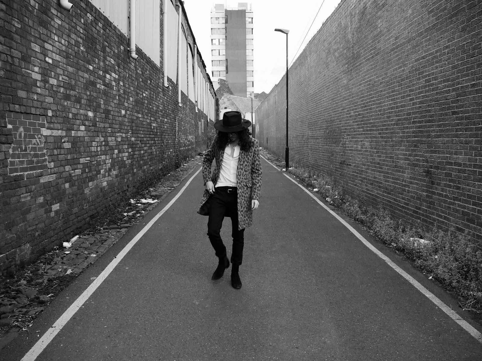 DROP DEAD COOL | The Unidentified Rocker