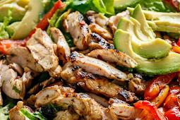 grilled chili lime chicken fajita salad #diet #ketorecipe