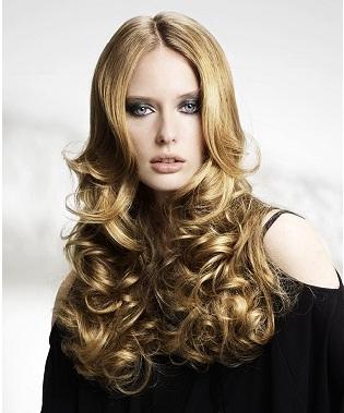 peinados y coletas pelo largo en capas