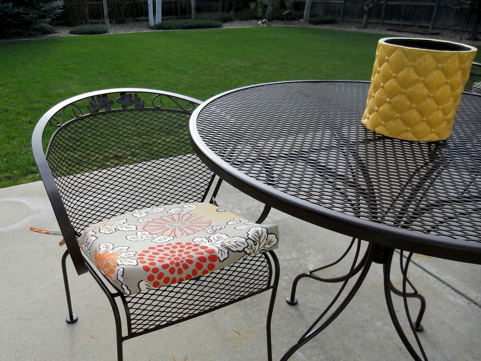 Refurbishing Wrought Iron Furniture