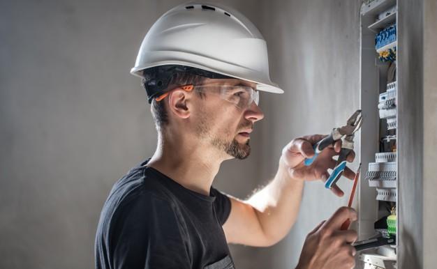 Tugas dan Tanggung Jawab Ahli Elektrikal