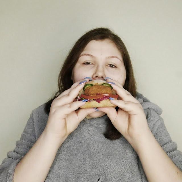 Zdrowy wegański burger PROVEGE