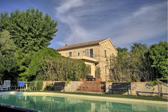 casa-nella-natura-ostra-piscina