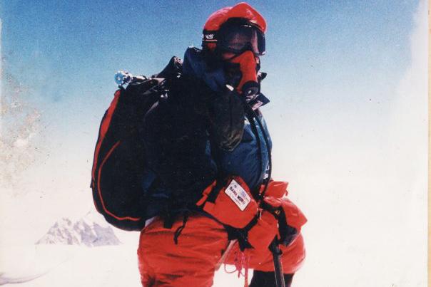 clara sumarwatu Gunung Tertinggi - Mount Everest Everest