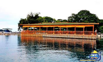 restauran terapung di pulau putri