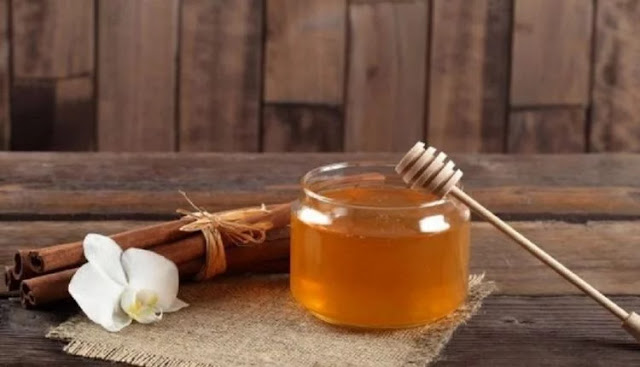 Βράστε Μέλι Με Κανέλα