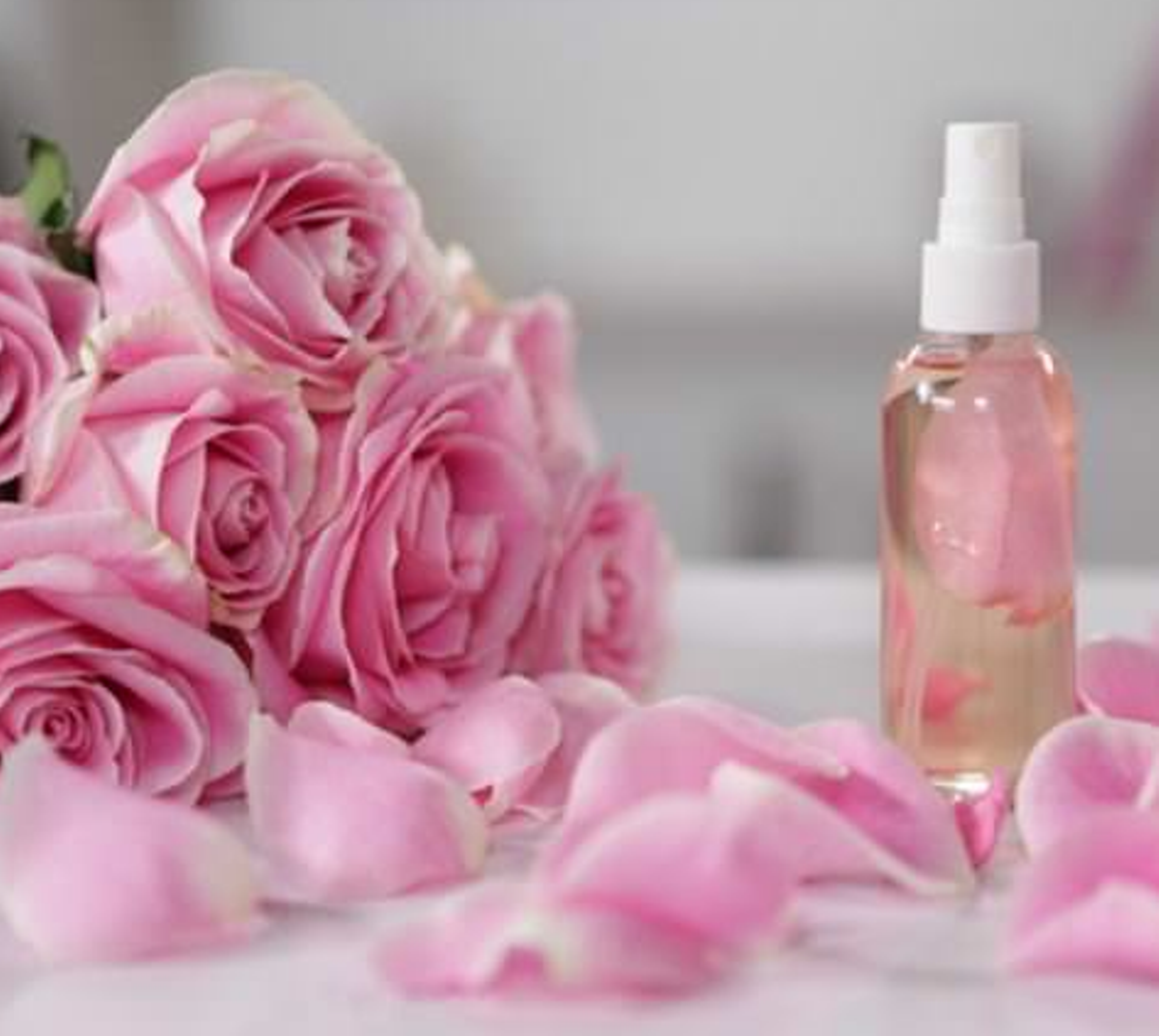 How to rose water is applied to the face skin – 6 uses