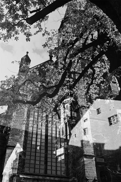Nadfotograficzny obraz miasta - Świdnica. Od Marca Chagalla do Akordu Nadfotograficznego. Fotografia odklejona. Łukasz Cyrus, 2020.