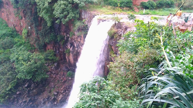 amarkantak tourist places, kapildhara waterfall amarkantak, anuppur tourism in hindi