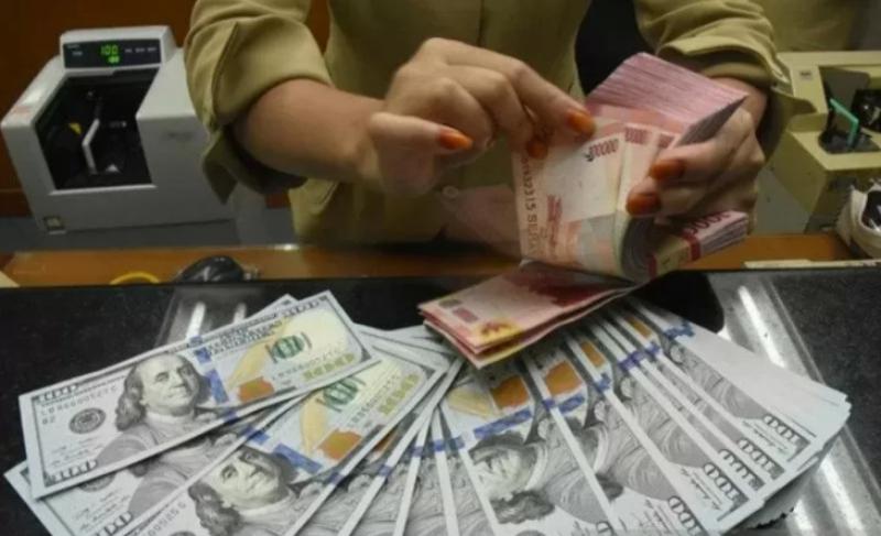 Rupiah Masih Melemah Diatas Rp 15.000 Per Dollar