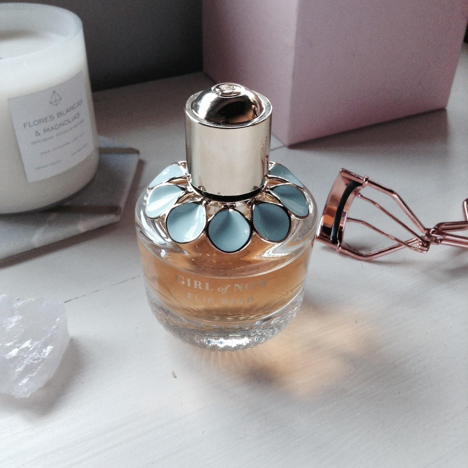 """""""Girl of now"""" de Elie Saab un perfume Fashionista: Stardoll Estudio: Blog de belleza y moda Argentina"""