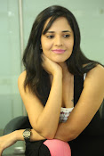 Anasuya latest sizzling photo shoot-thumbnail-4