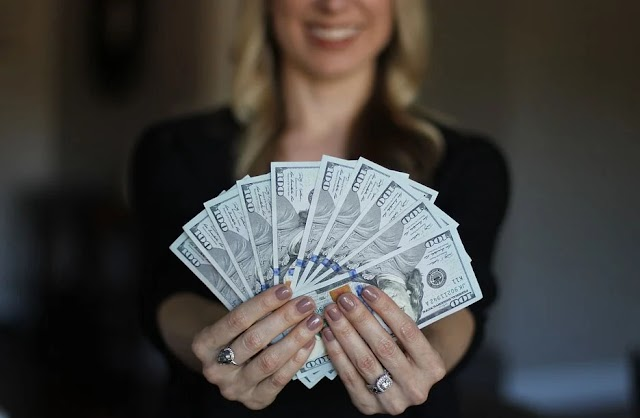 How do women earn money sitting at home? 2021