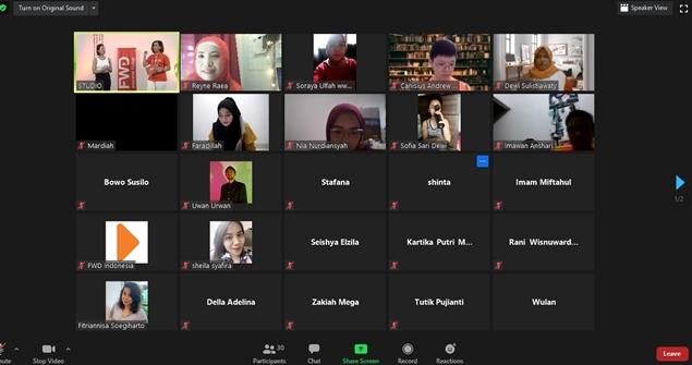 Virtual Blogger Gathering FWD Life